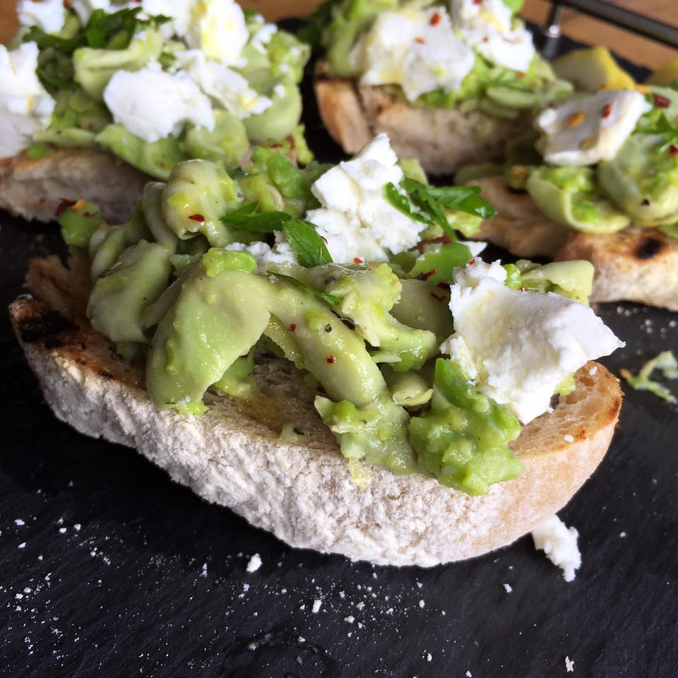 Broadbean Crostini