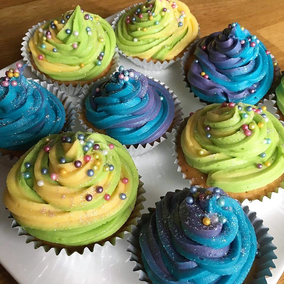 Vanilla Cupcakes with Colourful Vanilla Frosting